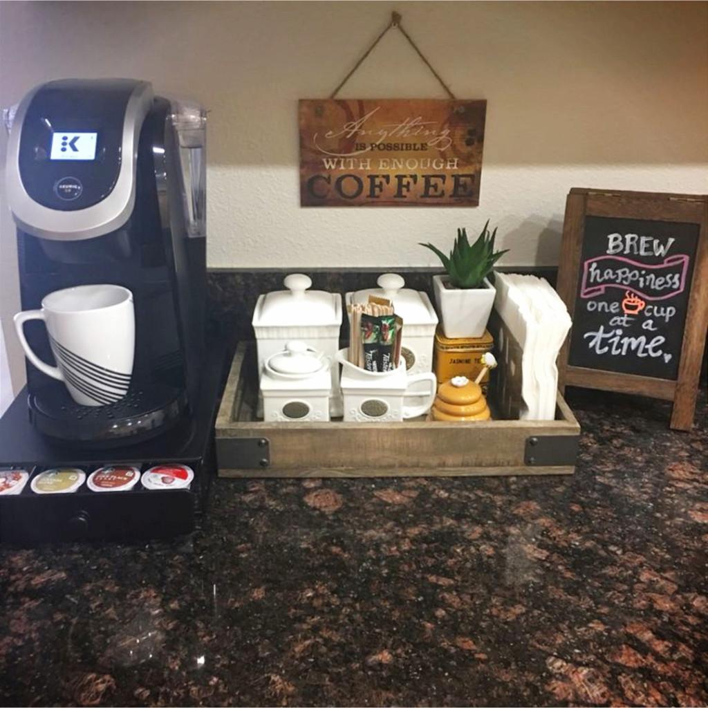 30+ Kitchen Coffee Bar Ideas #coffeebarideas #kitchenideas #diyroomdecor #homedecorideas #diyhomedecor #farmhousedecor