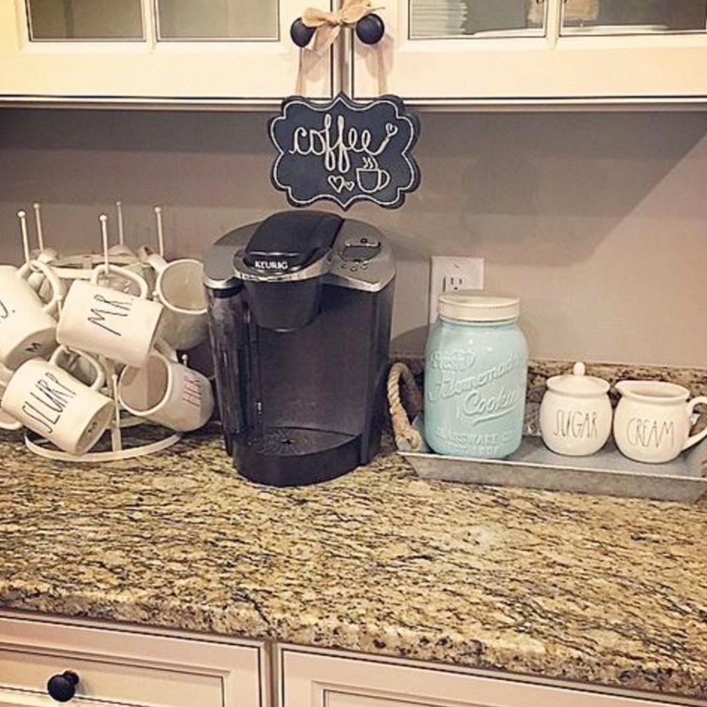 Pretty coffee area set up in the kitchen #kitchenideas #diyroomdecor #homedecorideas #diyhomedecor #farmhousedecor