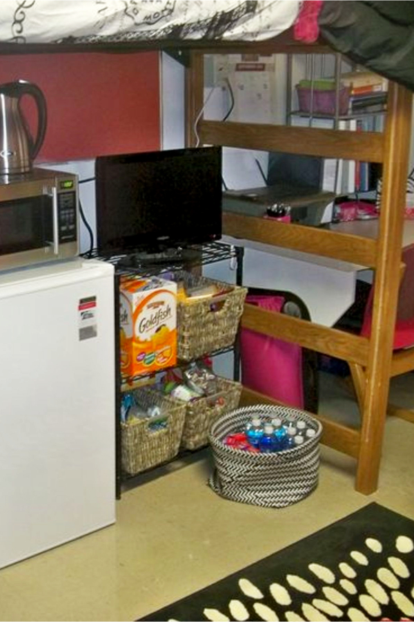 Organizing with baskets - dorm room