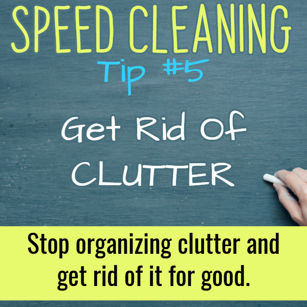 Clean your house FAST with these speed cleaning hacks and tips. This speed cleaning checklist helps clean house fast.